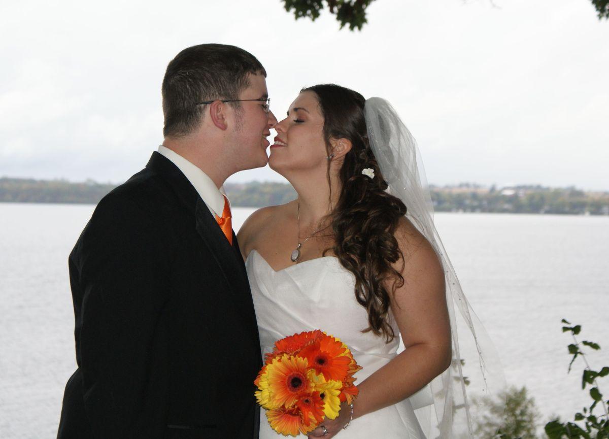 cancerinmythirties.wordpress.com breast cancer thirties 30s 30's kiss wedding day